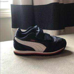 Boys Puma sneakers
